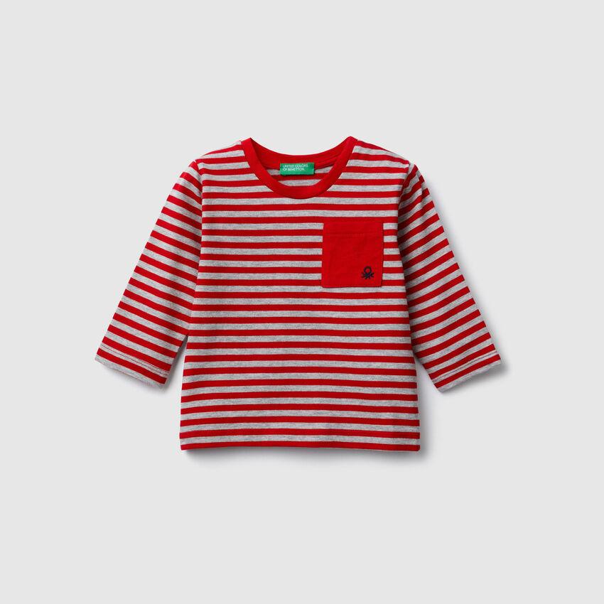 T-shirt a righe con taschino