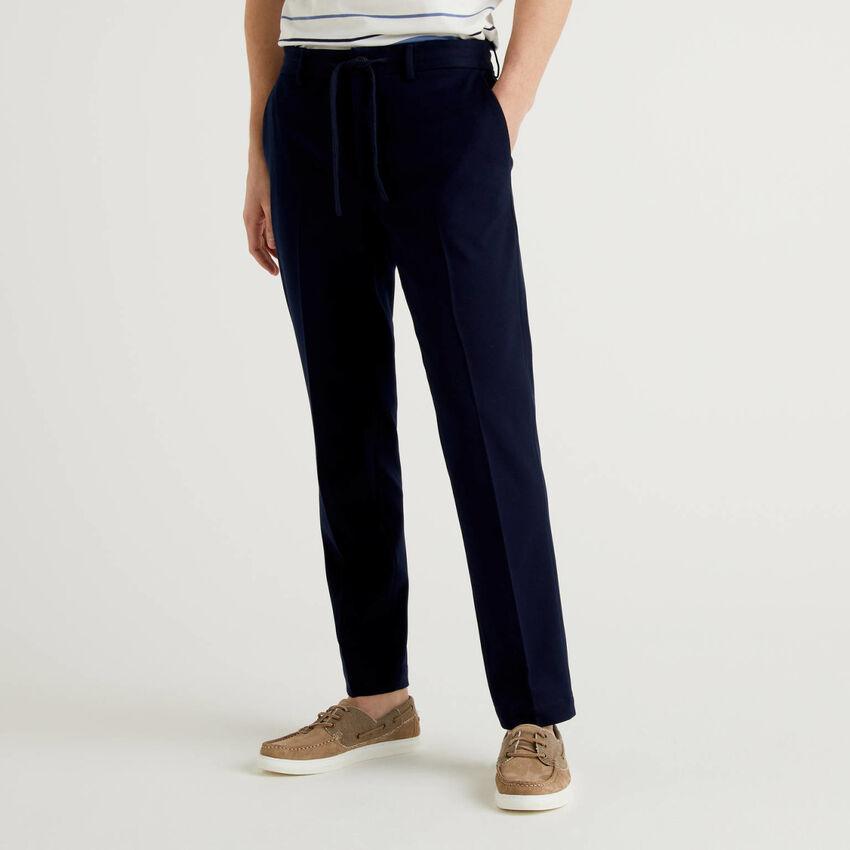 Pantaloni regular fit con coulisse
