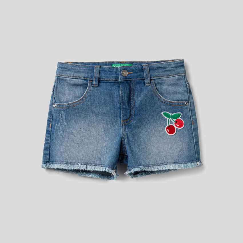Shorts in jeans con patch