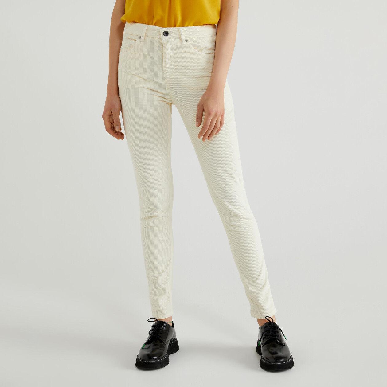 Pantaloni skinny in velluto
