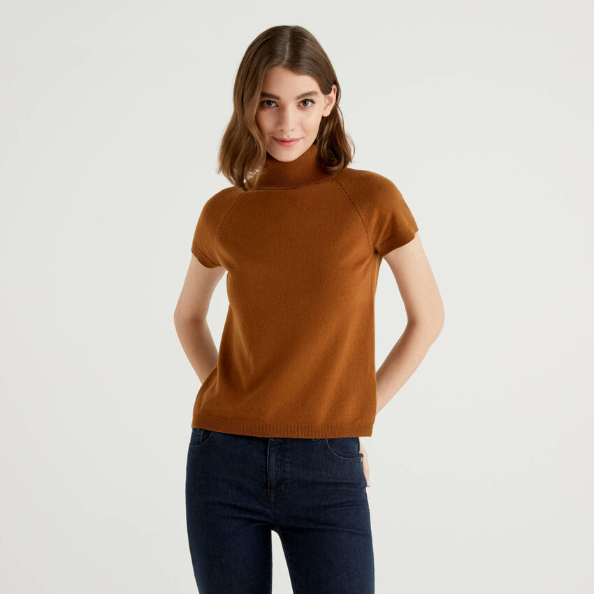 Dolcevita marrone a maniche corte in misto lana e cashmere
