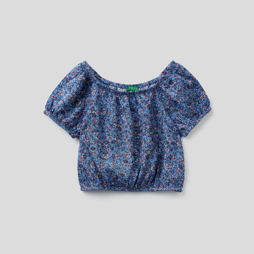 Top cropped con stampa floreale