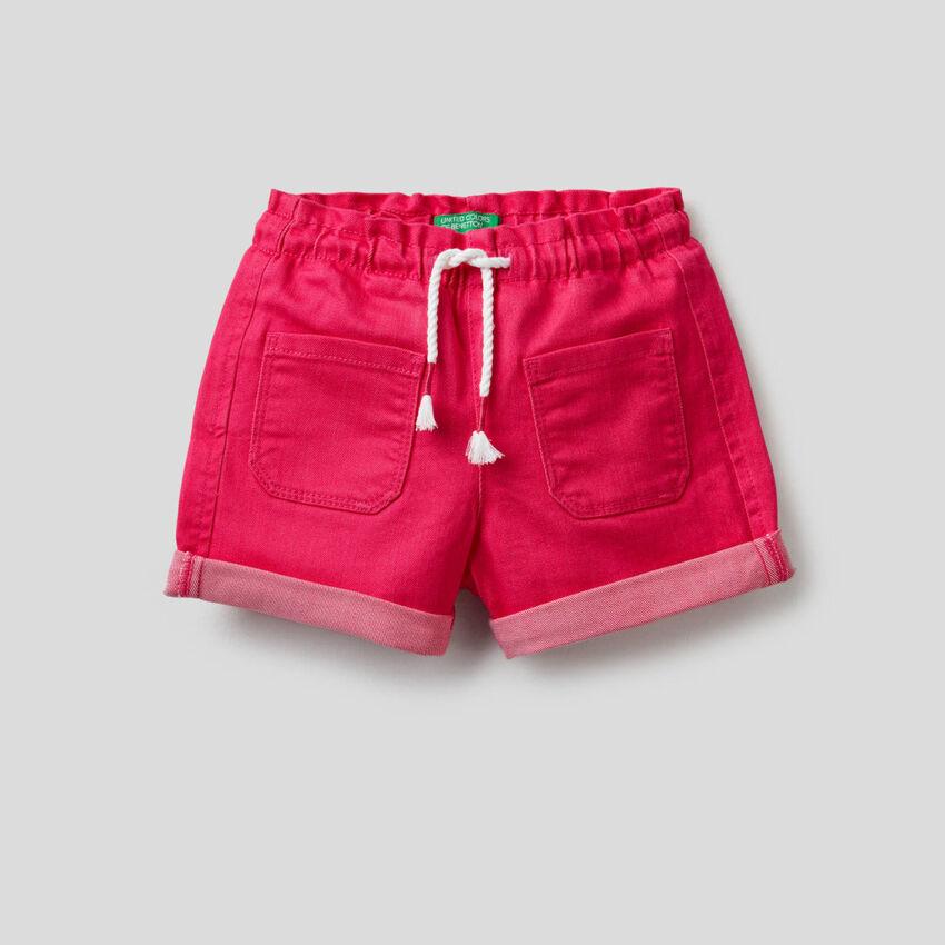 Shorts con vita elasticizzata
