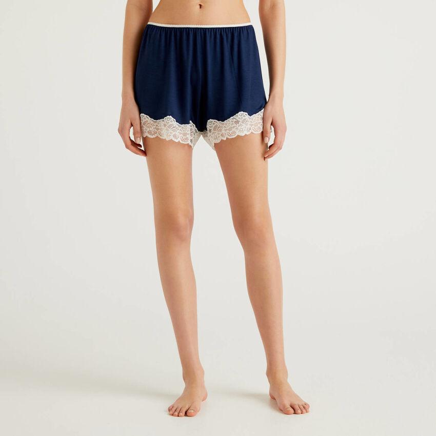 Shorts con pizzo