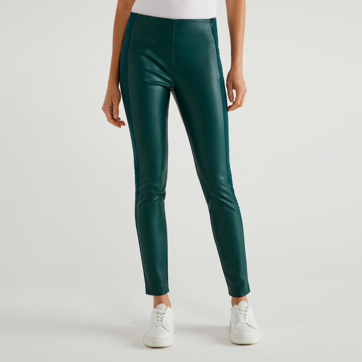 Pantaloni effetto pelle