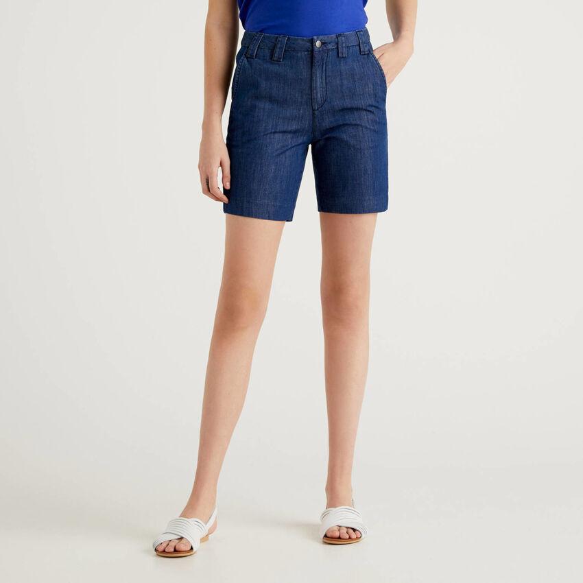 Shorts in jeans leggero