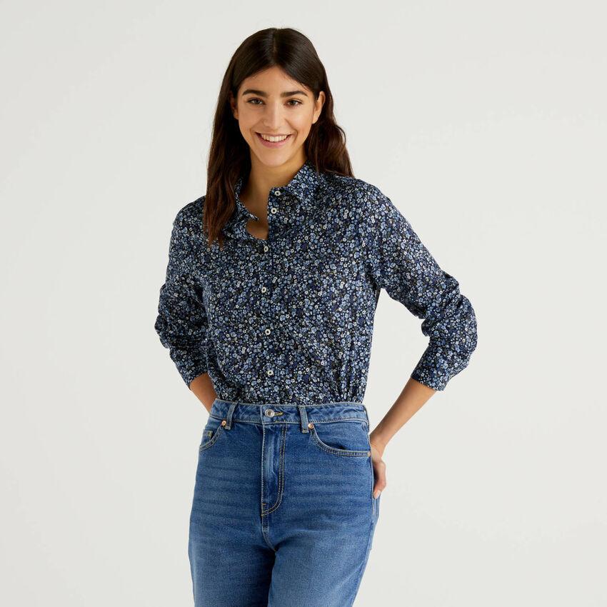 Camicia blu con stampa floreale 100% cotone
