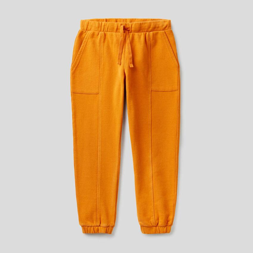 Pantaloni in felpa con maxi tasche