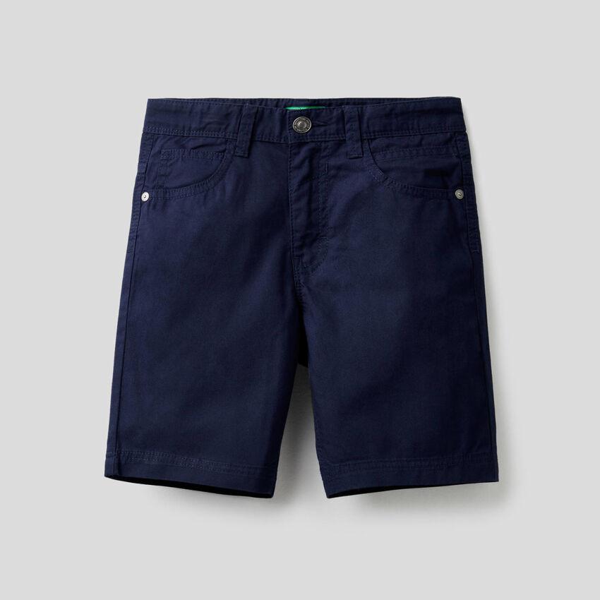 Pantaloni corti cinque tasche