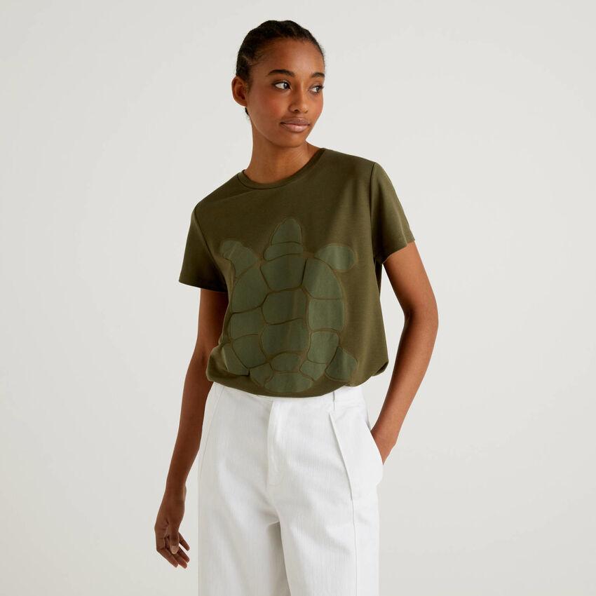 T-shirt con stampa tartaruga