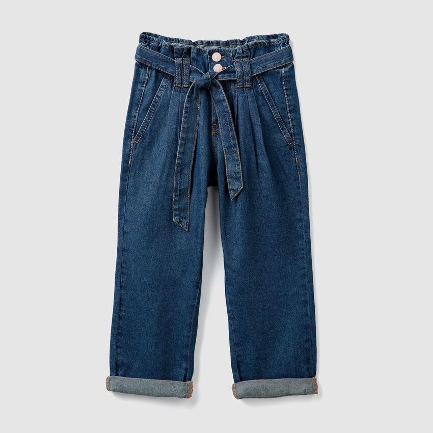 Pantaloni a vita alta in denim