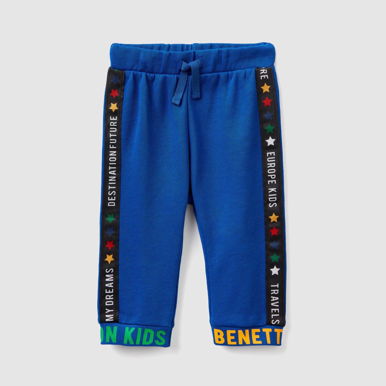 Pantaloni in felpa con scritte