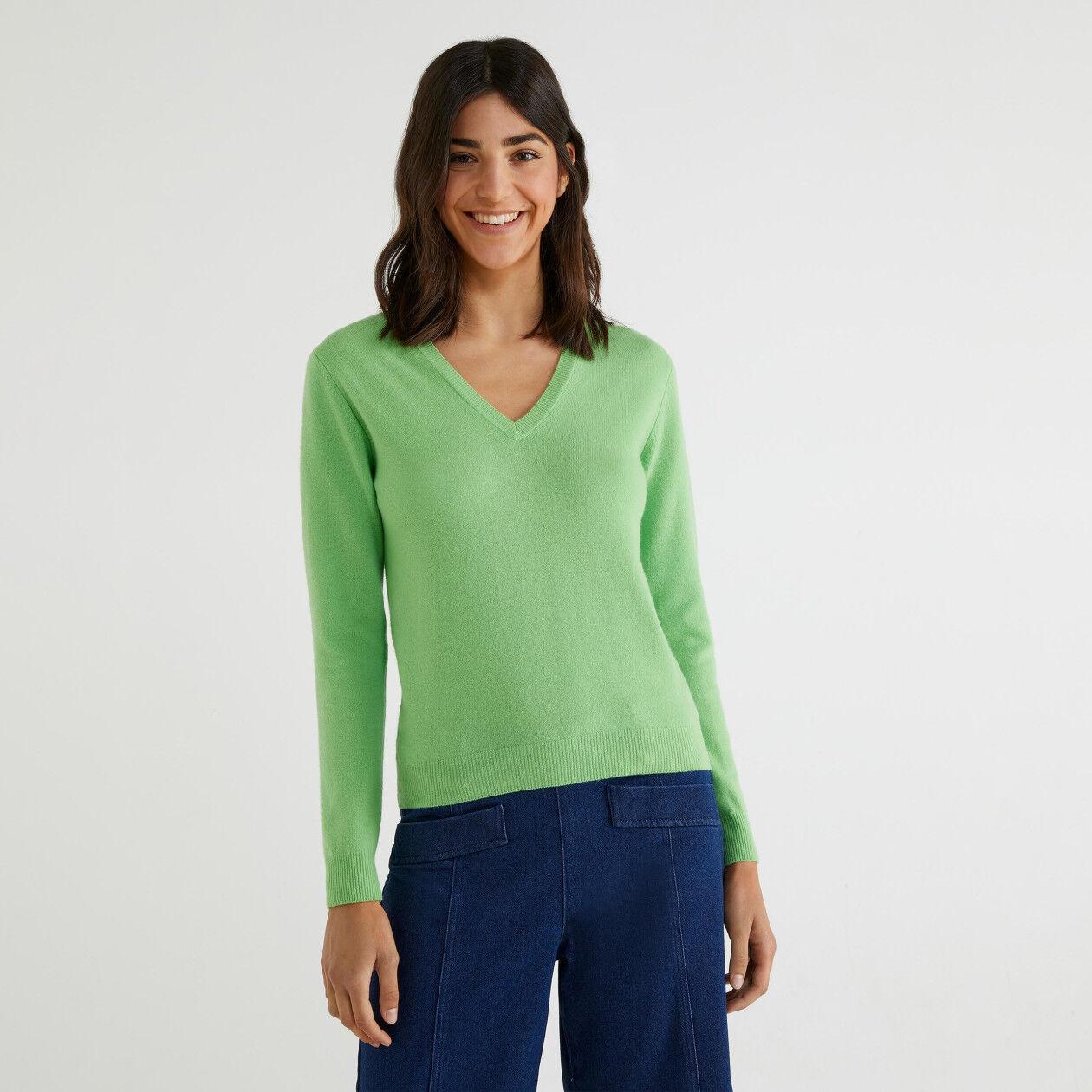 Maglia scollo a V 100% lana vergine