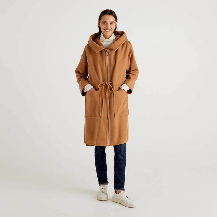 Cappotto con cappuccio in misto lana