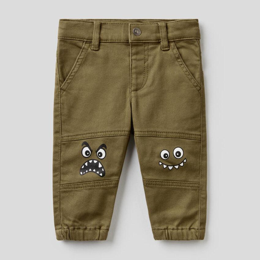 Pantaloni con stampa personaggi