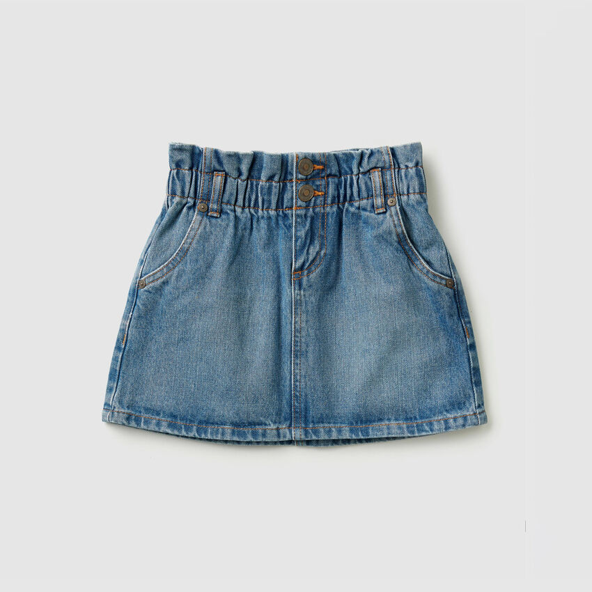 Gonna corta di jeans
