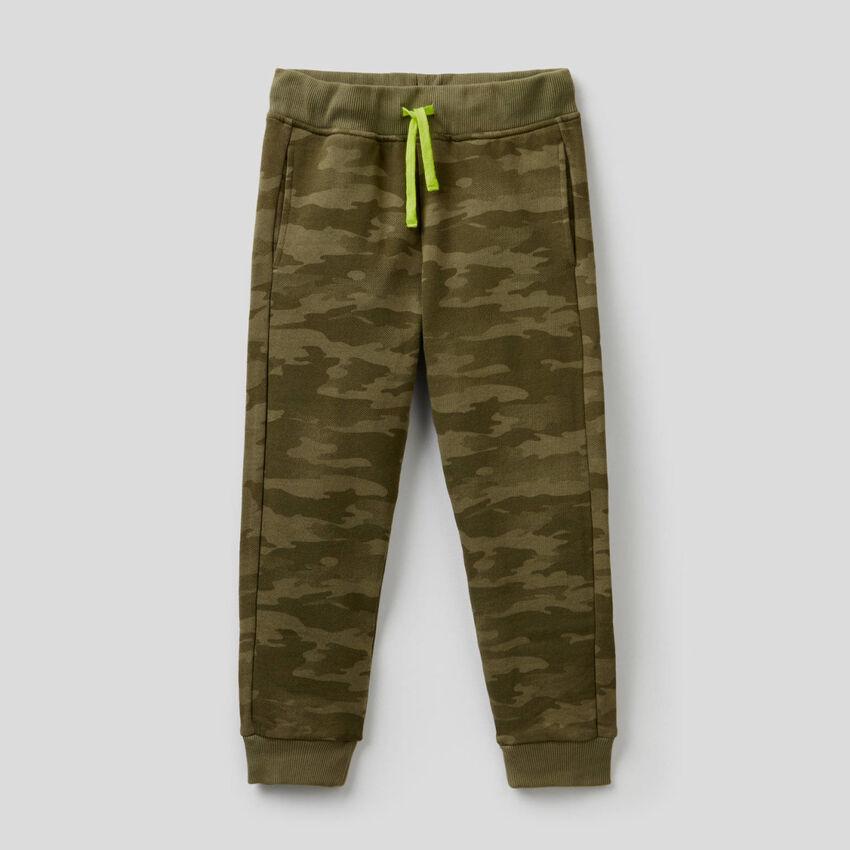Pantaloni in felpa camouflage