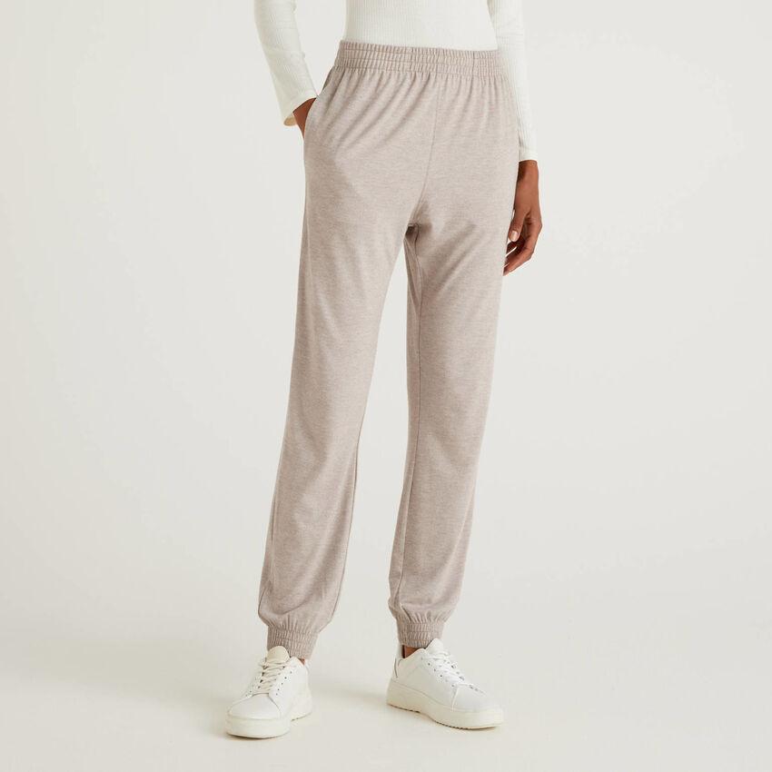 Pantaloni loungewear fluidi