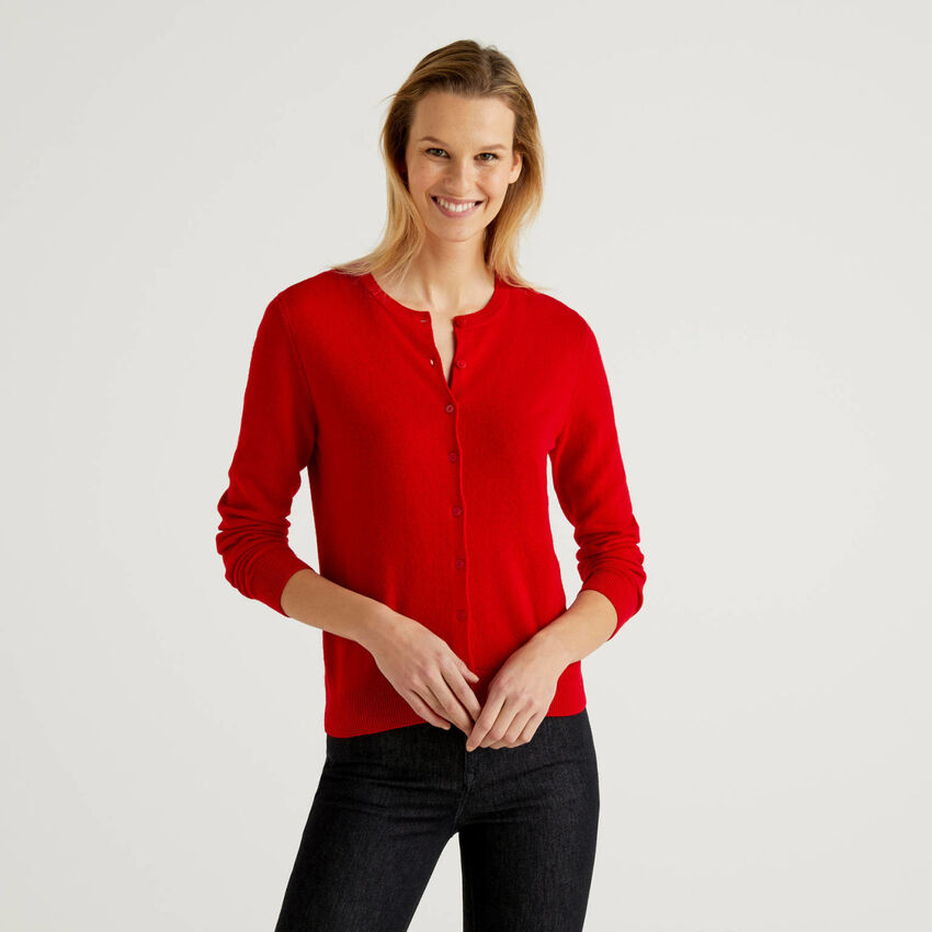 Cardigan girocollo rosso in pura lana vergine